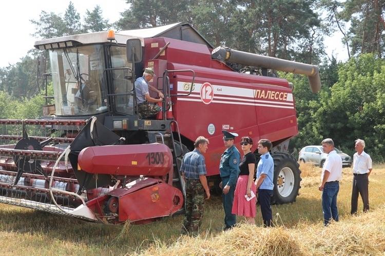 В охране труда не бывает мелочей: в сельхозорганизациях проводятся мониторинги готовности техники к жатве